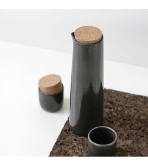 minimalistio stiliaus stalo dekoras