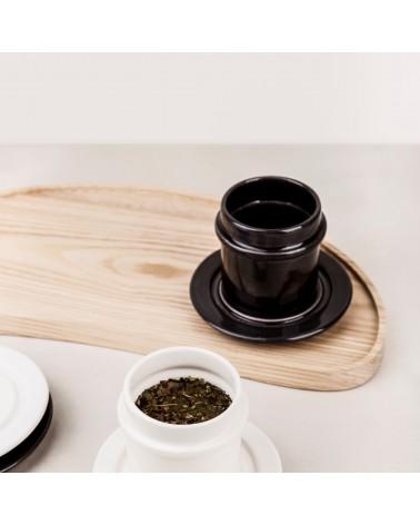 Minimalistinio dizaino keraminis puodelis